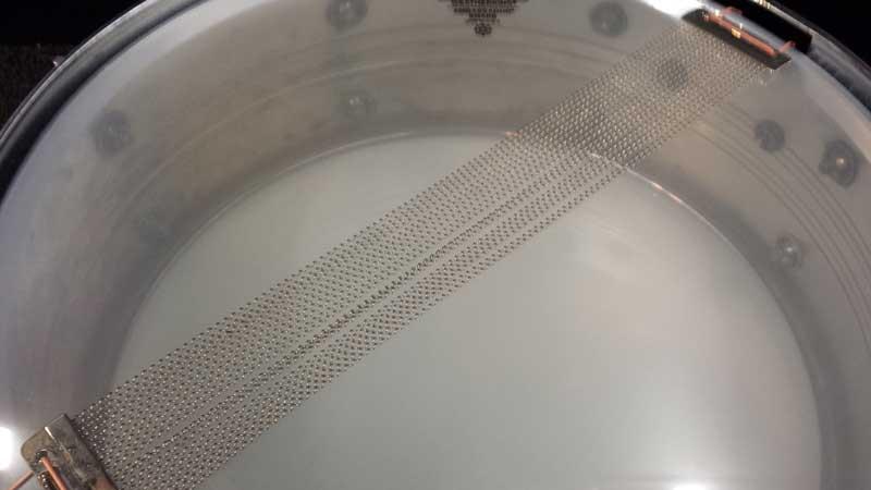 Worn snare wires.
